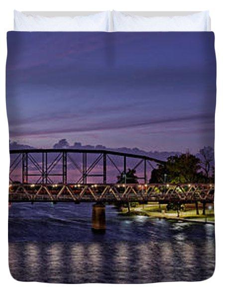 Panorama Of Waco Suspension Bridge Over The Brazos River At Twilight - Waco Central Texas Duvet Cover