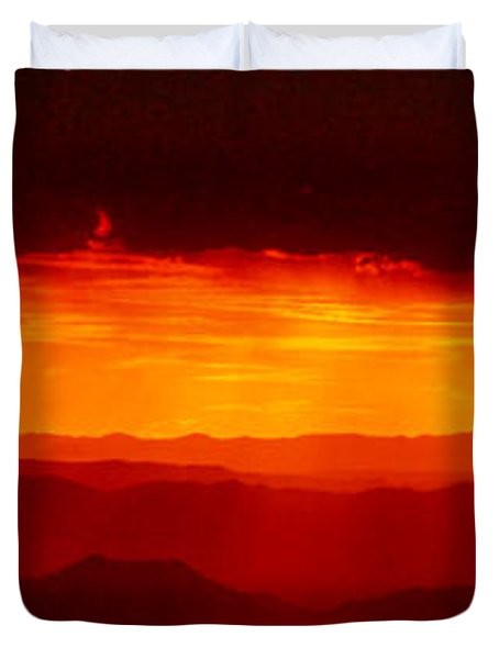 Panorama - Valley Of Fire Sunset 003 Duvet Cover by George Bostian