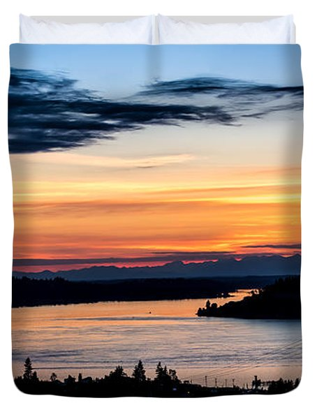 Duvet Cover featuring the photograph Panoramic Sunset Over Hail Passage  by Rob Green