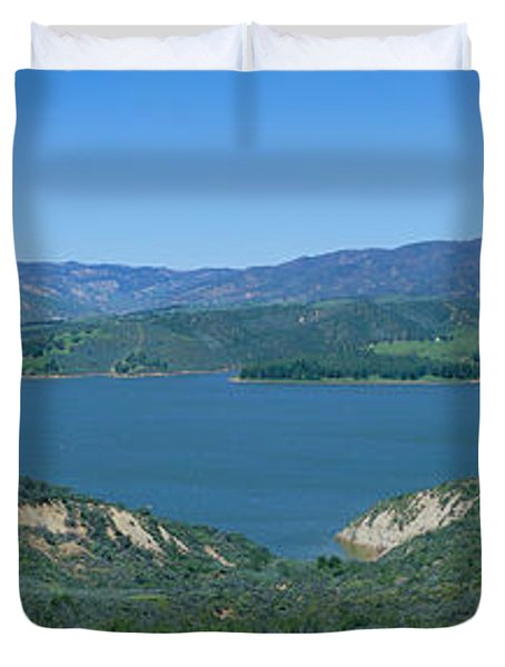 Panoramic View Of Lake Castaic Duvet Cover