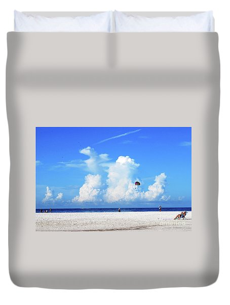 Duvet Cover featuring the photograph Para Sailing On Siesta Key by Gary Wonning
