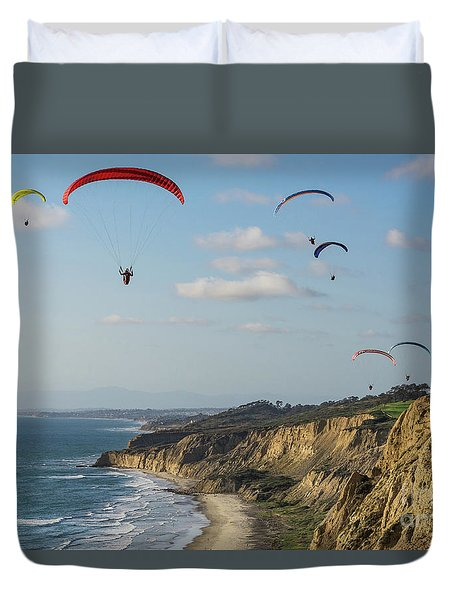 Paragliders At Torrey Pines Gliderport Over Black's Beach Duvet Cover