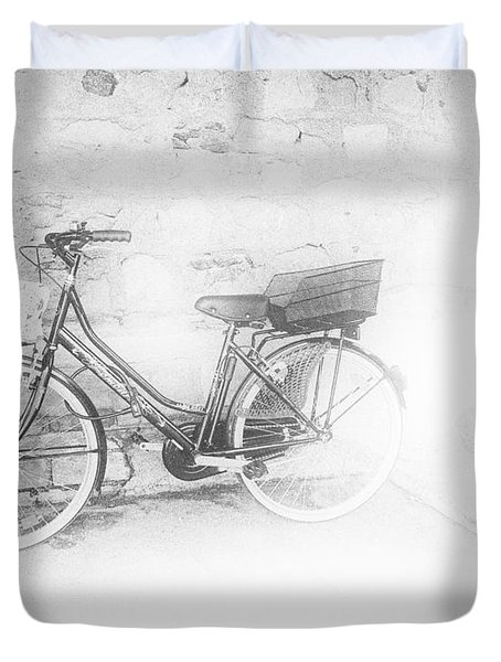 Duvet Cover featuring the photograph Paris Bicycle by Gigi Ebert