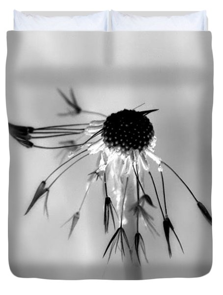 Duvet Cover featuring the photograph Partial Dandy by Richard Ricci