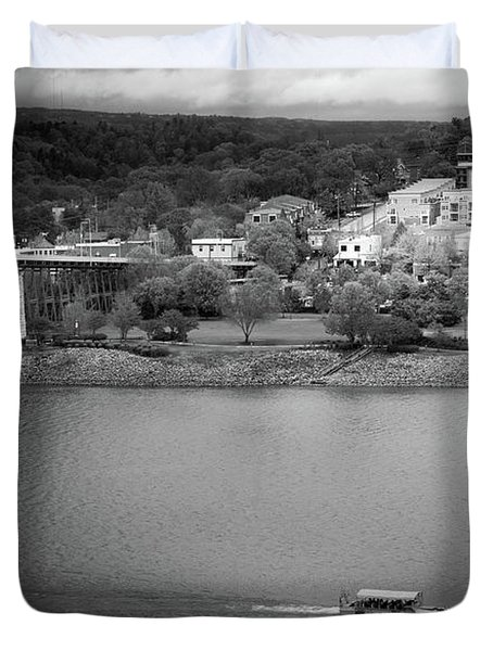 Passing Storm In Chattanooga Black And White Duvet Cover
