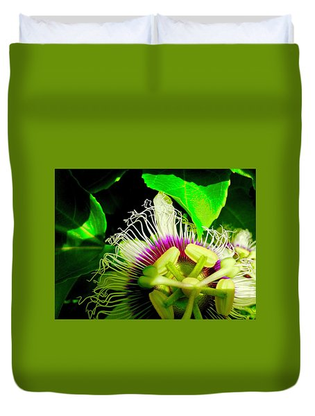 Passion Flower 2 Reflecting Duvet Cover