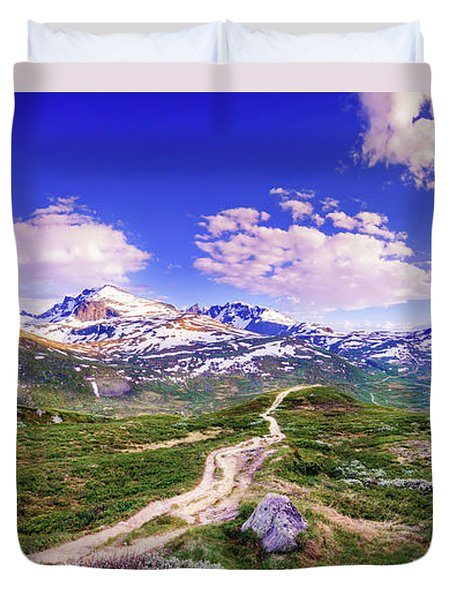 Duvet Cover featuring the photograph Pathway To A Valley by Dmytro Korol