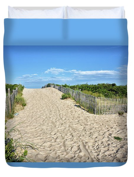 Duvet Cover featuring the photograph Pathway To The Beach - Delaware by Brendan Reals