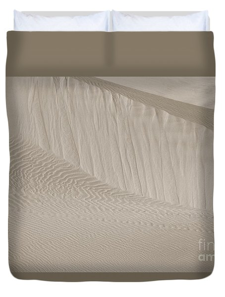 Duvet Cover featuring the photograph Patterns Of Sand by Suzanne Oesterling
