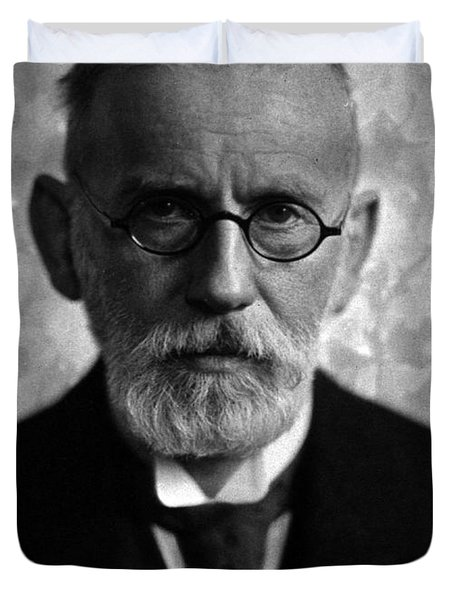 Paul Ehrlich, German Immunologist Duvet Cover by Science Source