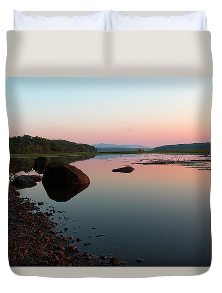 Peaceful Morning On The Hudson Duvet Cover
