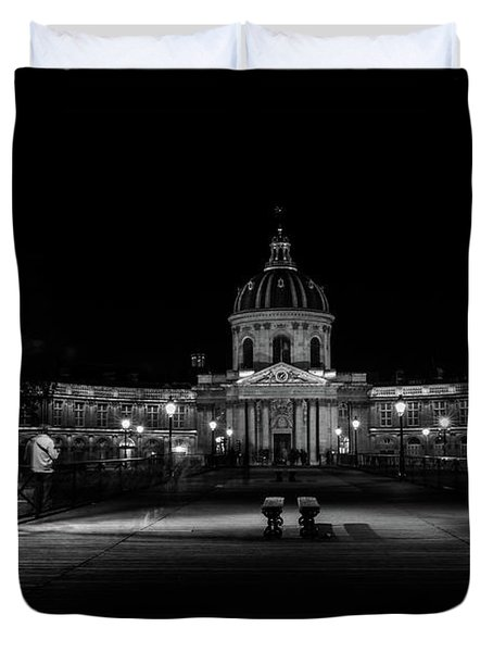 Peaceful Stroll At The Pont Des Arts Duvet Cover