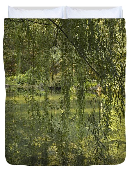 Peeking Through The Willows Duvet Cover by Linda Geiger