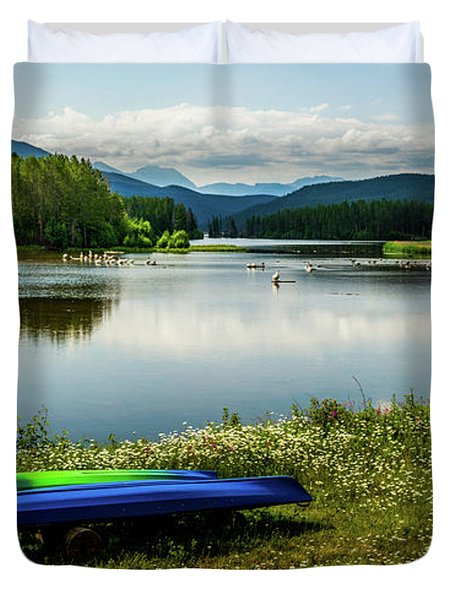 Pelicans At Shadow Mountain Lake Duvet Cover