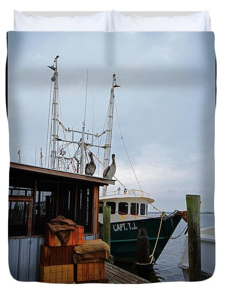 Pelicans Looking For Lunch Duvet Cover