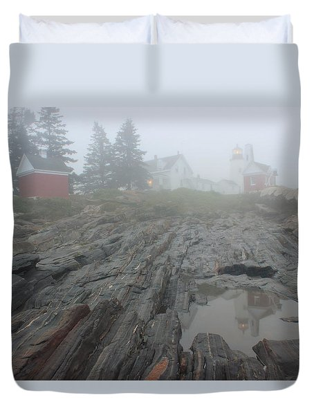 Pemaquid Point Lighthouse Foggy Morning Duvet Cover