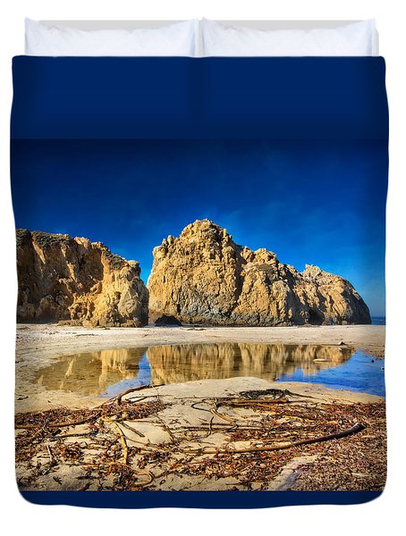Duvet Cover featuring the photograph Pheiffer Beach - Keyhole Rock #16 - Big Sur, Ca by Jennifer Rondinelli Reilly - Fine Art Photography