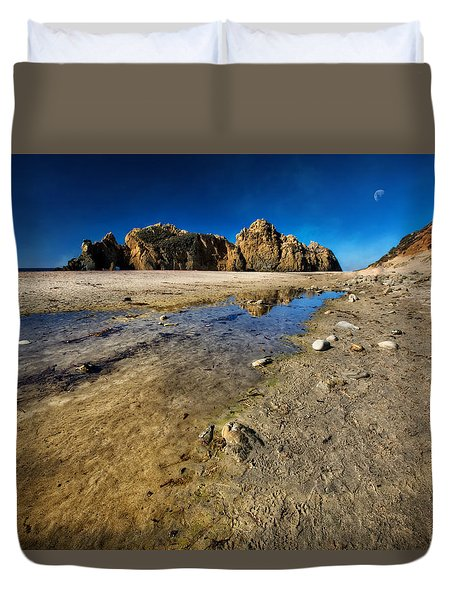 Duvet Cover featuring the photograph Pheiffer Beach -keyhole Rock #18 - Big Sur, Ca by Jennifer Rondinelli Reilly - Fine Art Photography