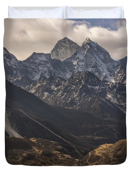 Duvet Cover featuring the photograph Pheriche In The Valley by Mike Reid