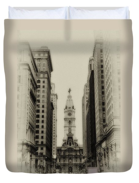 Philadelphia City Hall From South Broad Street Duvet Cover by Bill Cannon