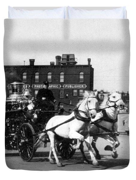 Philadelphia Fire Department Engine - C 1905 Duvet Cover