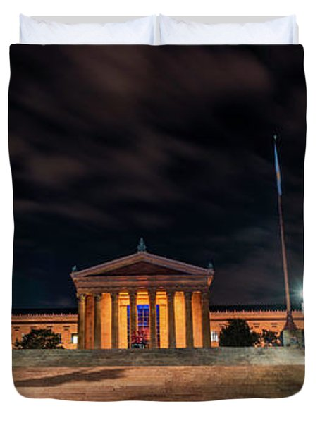 Duvet Cover featuring the photograph Philadelphia Museum Of Art by Marvin Spates