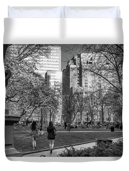 Duvet Cover featuring the photograph Philadelphia Street Photography - 0902 by David Sutton