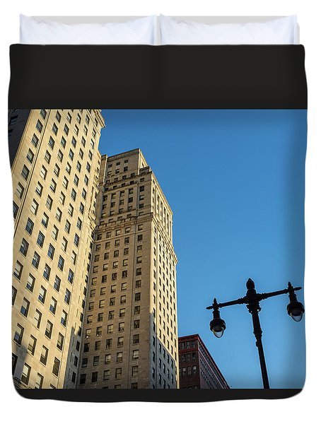 Duvet Cover featuring the photograph Philadelphia Urban Landscape - 0948 by David Sutton