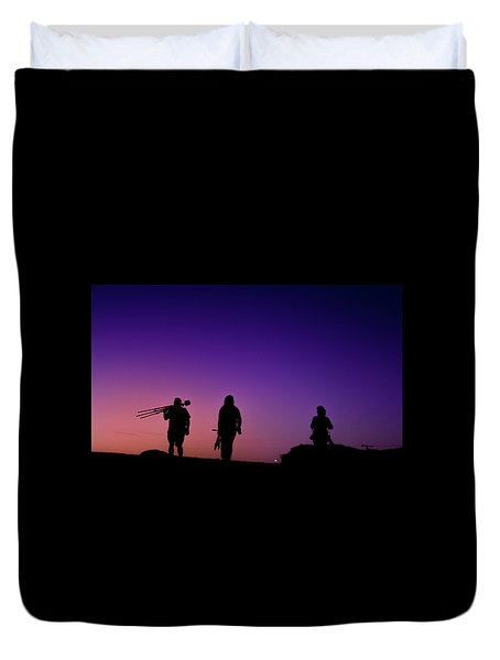 Photographers At Sunset Duvet Cover