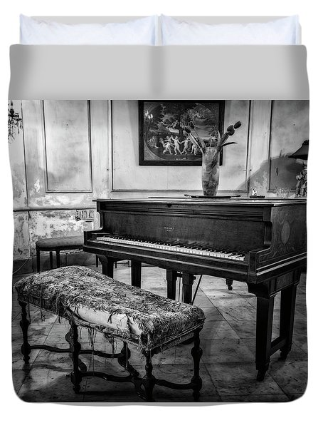 Duvet Cover featuring the photograph Piano At Josie's House Bw by Joan Carroll