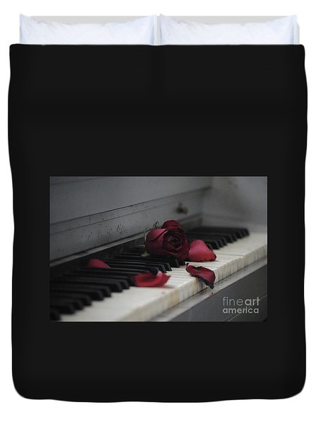 Piano With Vintage Rose Duvet Cover