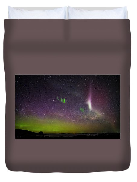 Picket Fences And Proton Arc, Aurora Australis Duvet Cover