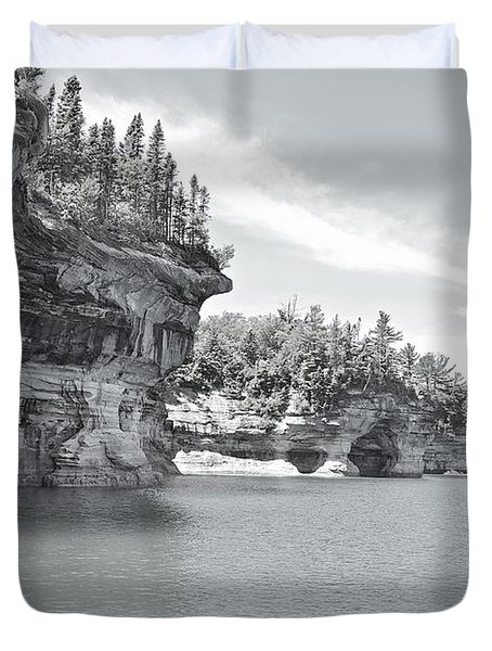 Pictured Rocks Shoreline National Park Duvet Cover by Michael Peychich