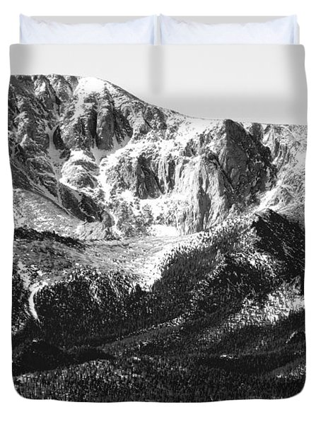 Pikes Peak Black And White In Wintertime Duvet Cover
