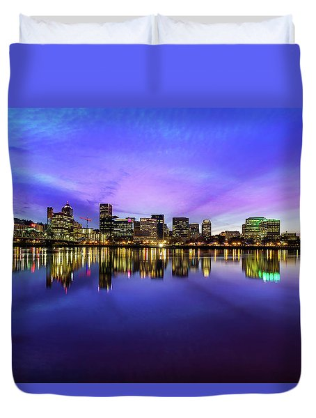 Pink And Blue Hue Evening Sky Over Portland Oregon Duvet Cover by David Gn