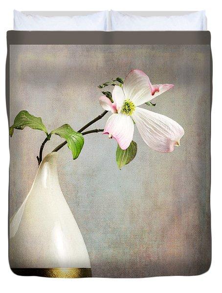 Pink Cornus Kousa Blossom In Creamer Duvet Cover