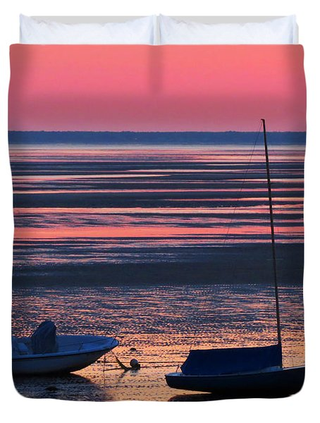 Duvet Cover featuring the photograph Pink Dawn by Dianne Cowen