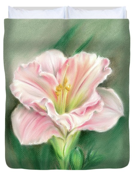 Pink Daylily And Green Buds Duvet Cover