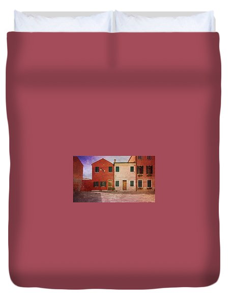 Duvet Cover featuring the photograph Pink Houses by Anne Kotan