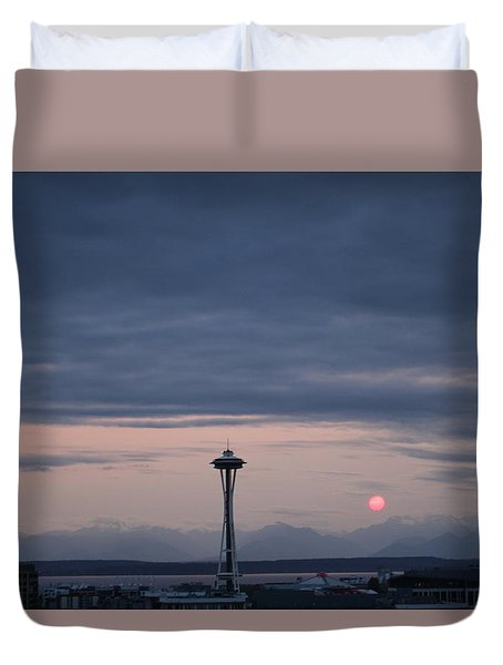 Pink Moon Setting Duvet Cover by Suzanne Lorenz