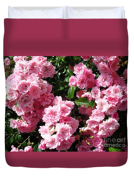 Duvet Cover featuring the painting Pink Roses by Beatrice Cloake