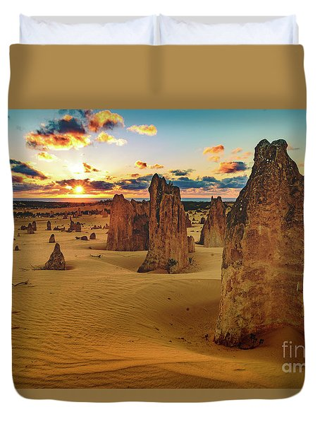 Pinnacles 8 Duvet Cover