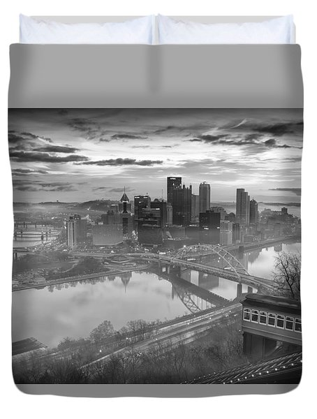 Pittsburgh Architecture 10 Bw Duvet Cover by Emmanuel Panagiotakis