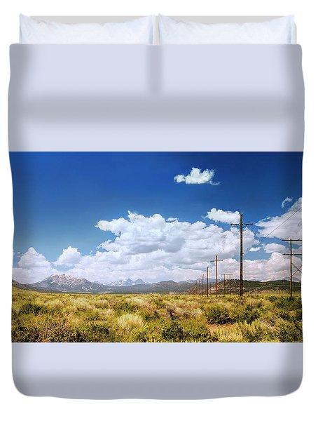 Plains Of The Sierras Duvet Cover