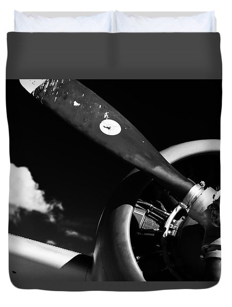 Duvet Cover featuring the photograph Plane Portrait 1 by Ryan Weddle