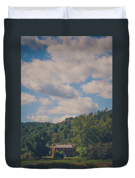 Duvet Cover featuring the photograph Plantation House by Shane Holsclaw