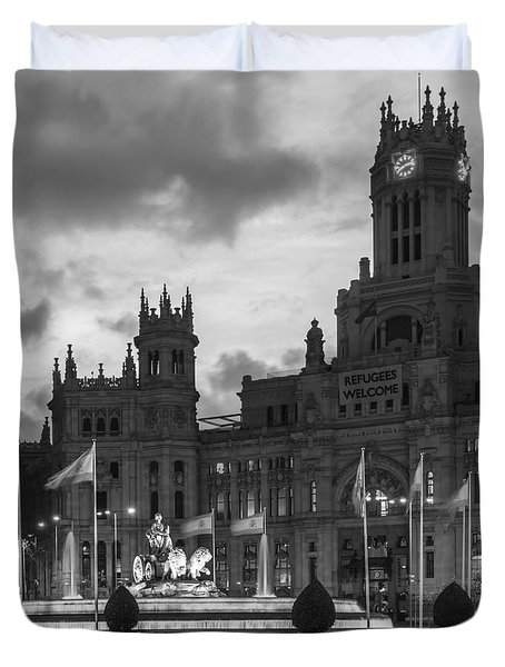 Plaza De Cibeles Fountain Madrid Spain Duvet Cover