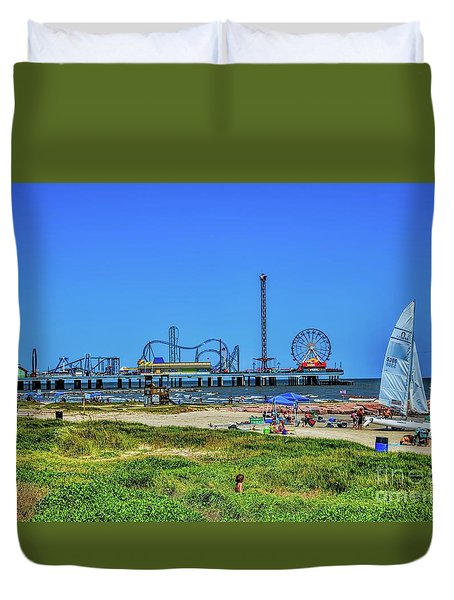 Pleasure Pier Sunny Day Duvet Cover