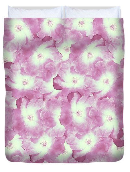 Plentiful Pink Rose Blooms Duvet Cover