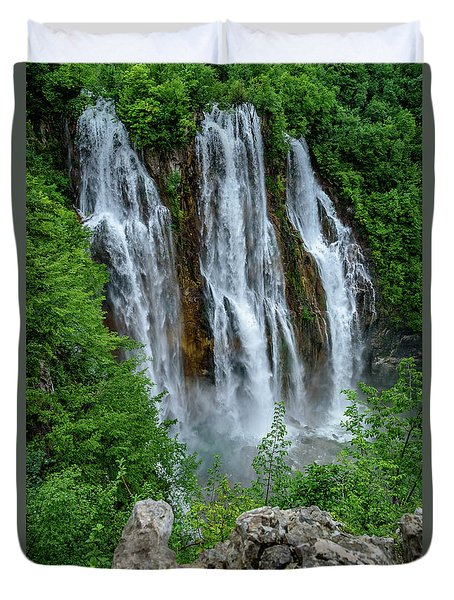 Plitvice Lakes Waterfall - A Balkan Wonder In Croatia Duvet Cover